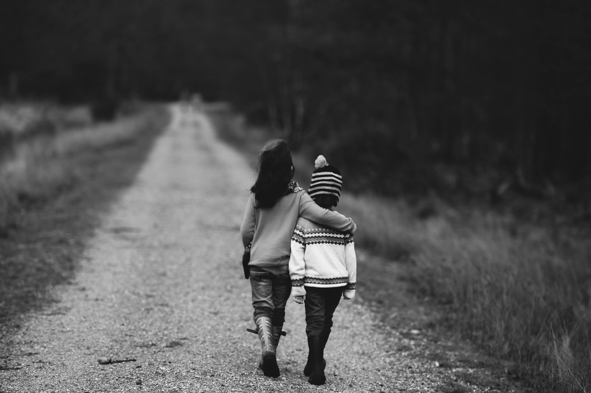 Kinder auf dem Weg